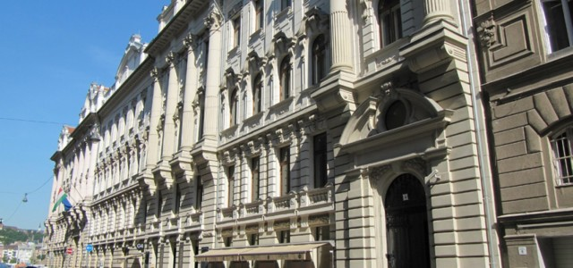 Budapest, V. Garibaldi u.4. Társasház – kazánház – hűtőgép meghibásodás – valamint a gáztúlfogyasztás okait feltáró igazságügyi szakvélemények készítése, Közjegyzői kirendelés alapján