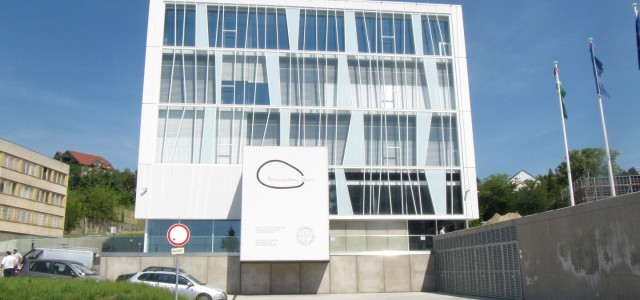 Pécsi Tudomány Egytem Szentágotai János Kutatóközpont szellőzőgépházi hővisszanyerők meghibásodásainak felülvizsgálati szakvéleményezése a Grabarics Kft megbízásából